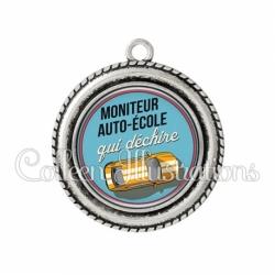 Pendentif résine Moniteur auto-école qui déchire (032BLE01)