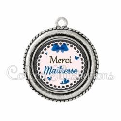 Pendentif résine Merci maîtresse (005BLE07)