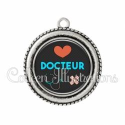 Pendentif résine Docteur (155NOI01)