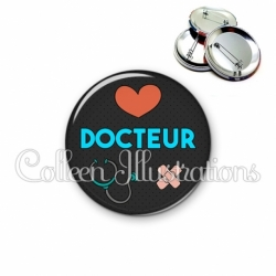 Badge 56mm Docteur (155NOI01)