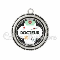 Pendentif résine Docteur (002NOI01)