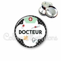 Badge 56mm Docteur (002NOI01)