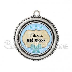Pendentif résine Bisous maîtresse (006BLE04)
