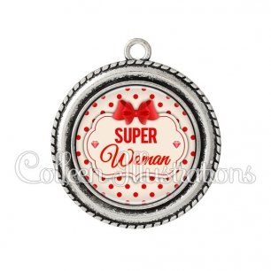Pendentif résine Super woman (006MAR03)