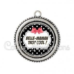 Pendentif résine Belle-maman trop cool (006NOI13)