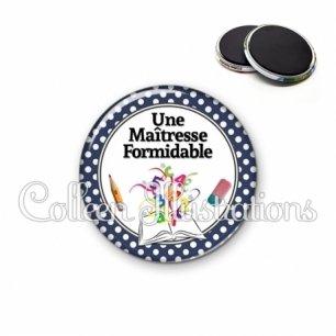 Magnet 56mm Une maîtresse formidable (001BLE03)