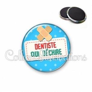 Magnet 56mm Dentiste qui déchire (003BLE02)