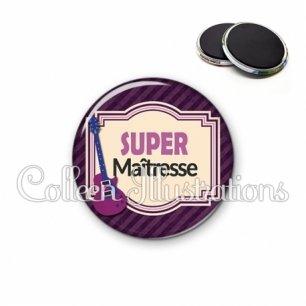 Magnet 56mm Super maîtresse (004VIO01)