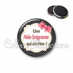 Magnet 56mm Aide-soignante qui déchire (008NOI01)