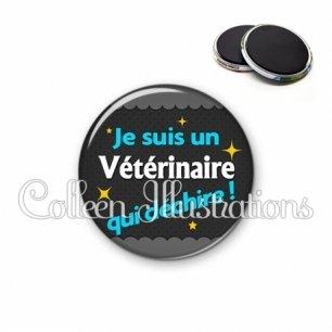 Magnet 56mm Vétérinaire qui déchire (019GRI01)