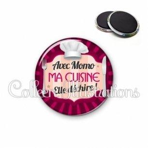 Magnet 56mm Avec momo ma cuisine elle déchire (048ROS01)