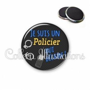 Magnet 56mm Policier qui déchire (167GRI01)