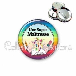 Badge 56mm Super maîtresse (001MUL01)