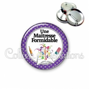 Badge 56mm Maîtresse formidable (001VIO01)