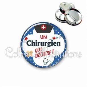 Badge 56mm Chirurgien qui déchire (002BLE01)