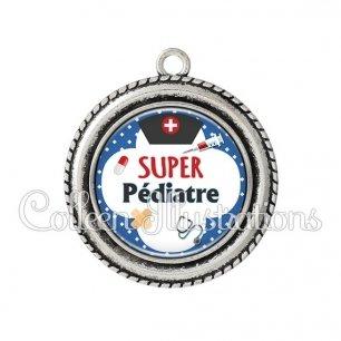 Pendentif résine Super pédiatre (002BLE01)