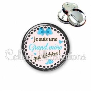 Badge 56mm Grand-mère qui déchire (005BLE06)