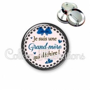 Badge 56mm Grand-mère qui déchire (005BLE07)