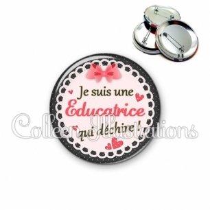 Badge 56mm Educatrice qui déchire (005ROS01)