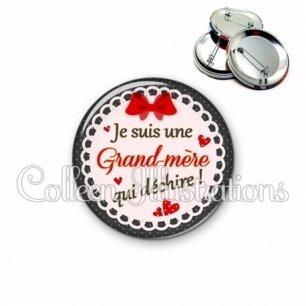 Badge 56mm Grand-mère qui déchire (005ROU01)