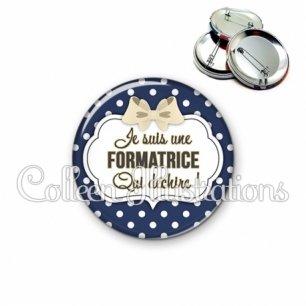 Badge 56mm Formatrice qui déchire (006BLE18)