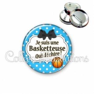 Badge 56mm Basketteuse qui déchire (006BLE19)
