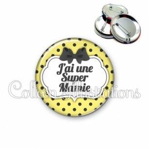 Badge 56mm J'ai une super mamie (006JAU01)