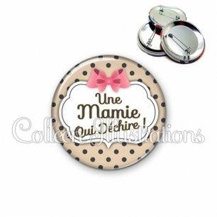Badge 56mm Mamie qui déchire (006MAR04)