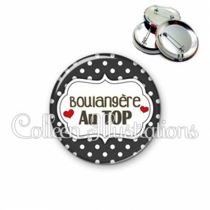 Badge 56mm Boulangère au top (006NOI11)