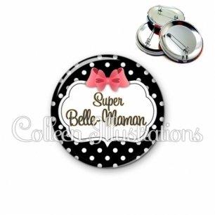 Badge 56mm Super belle-maman (006NOI13)