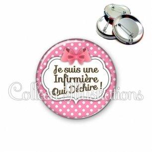 Badge 56mm Infirmière qui déchire (006ROS02)