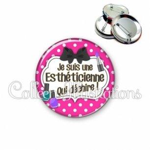 Badge 56mm Esthéticienne qui déchire (006ROS04)