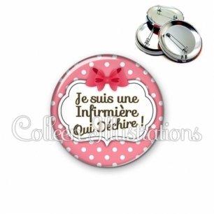 Badge 56mm Infirmière qui déchire (006ROS09)