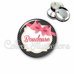 Badge 56mm Boudeuse (008NOI04)