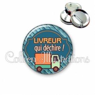 Badge 56mm Livreur qui déchire (011BLE05)