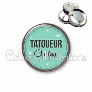 Badge 56mm Tatoueur au top (012VER01)