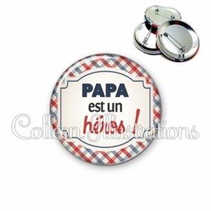 Badge 56mm Papa est un héros (013MUL01)
