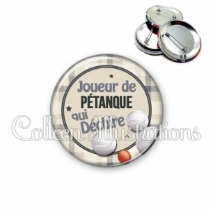 Badge 56mm Joueur de pétanque qui déchire (016GRI04)