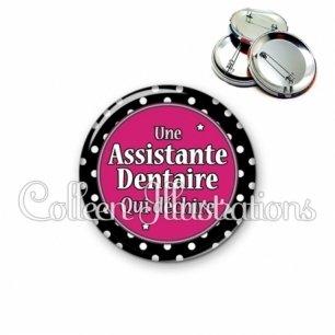 Badge 56mm Assistante dentaire qui déchire (016NOI01)