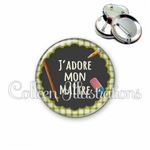 Badge 56mm J'adore mon maître (017VER01)