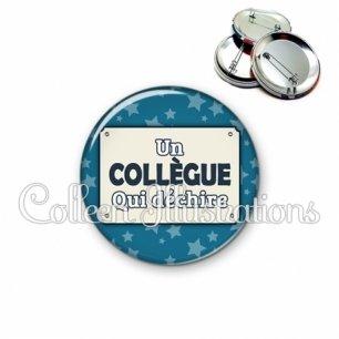 Badge 56mm Collègue qui déchire (018BLE01)