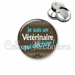 Badge 56mm Vétérinaire qui déchire (019MAR01)