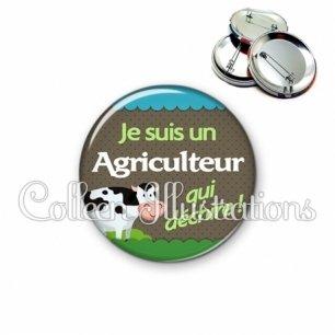 Badge 56mm Agriculteur qui déchire (019VER01)