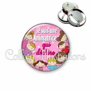 Badge 56mm Animatrice qui déchire (022ROS01)