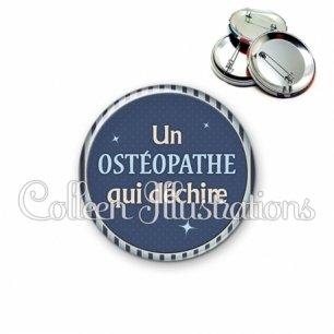 Badge 56mm Ostéopathe qui déchire (031BLE07)