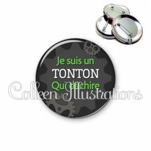Badge 56mm Tonton qui déchire (038GRI01)