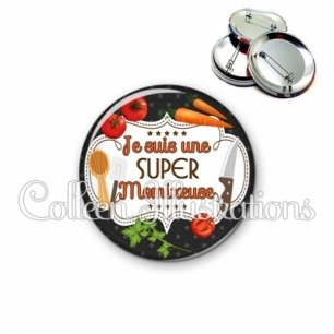 Badge 56mm Super momixeuse (045NOI03)