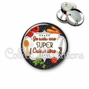 Badge 56mm Super cuisinière (045NOI03)