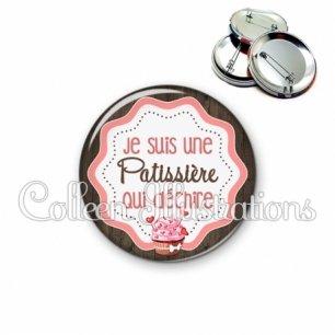 Badge 56mm Patissière qui déchire (049MAR02)