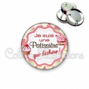 Badge 56mm Patissière qui déchire (049MUL01)